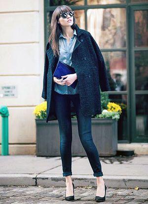 e41a193af9081 脱地味女♡冬の鉄板「黒コート」を華やかに仕上げる5つのコツ - NAVER ...