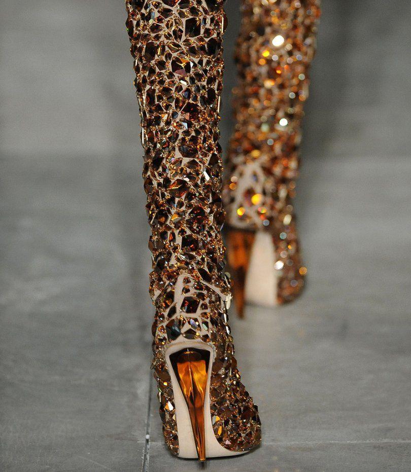 hot boots - Awwwww yeah....