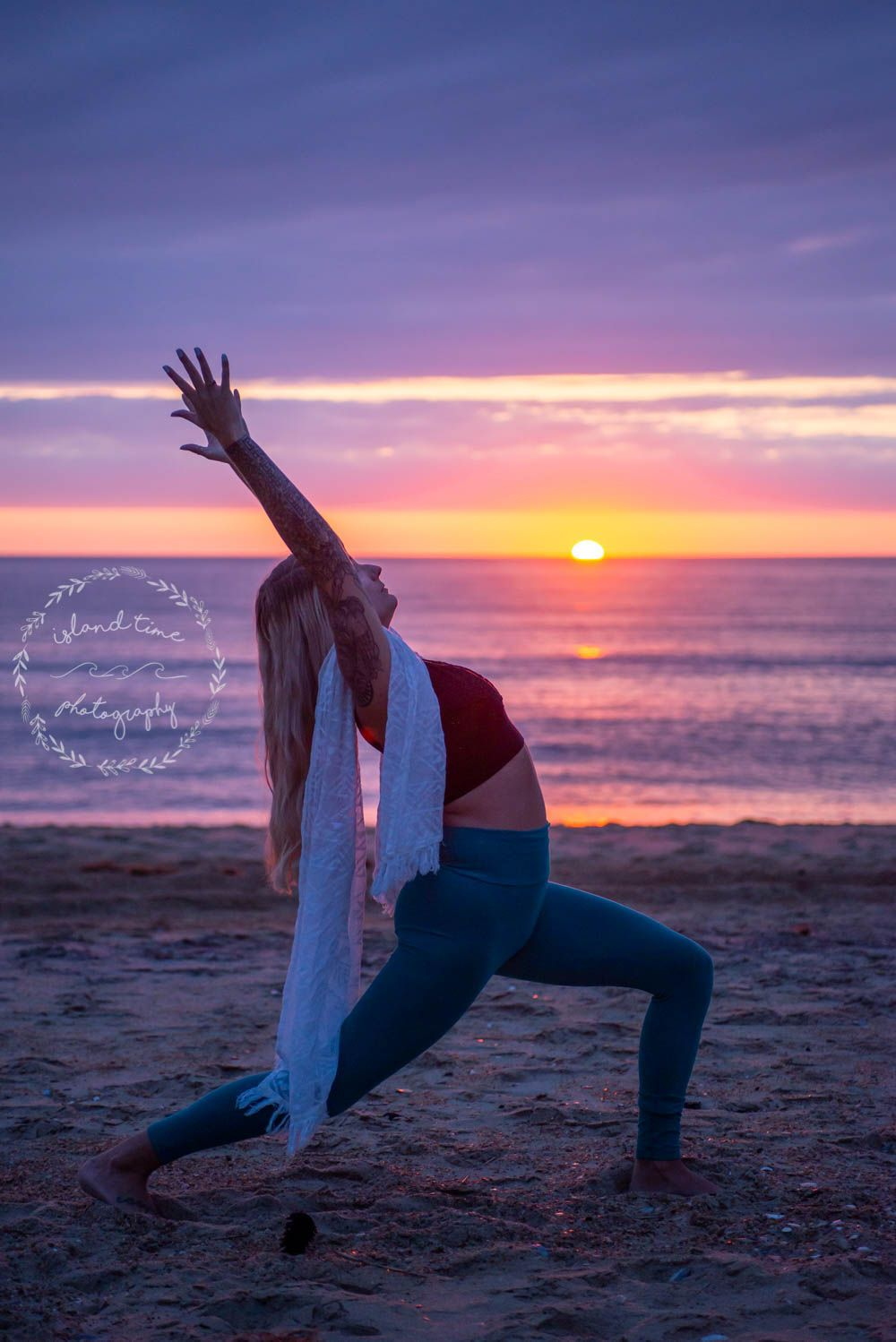 Sunrise Yoga Sessions On The Outer Banks In 2020 Sunrise Yoga Early Morning Yoga Time Photography