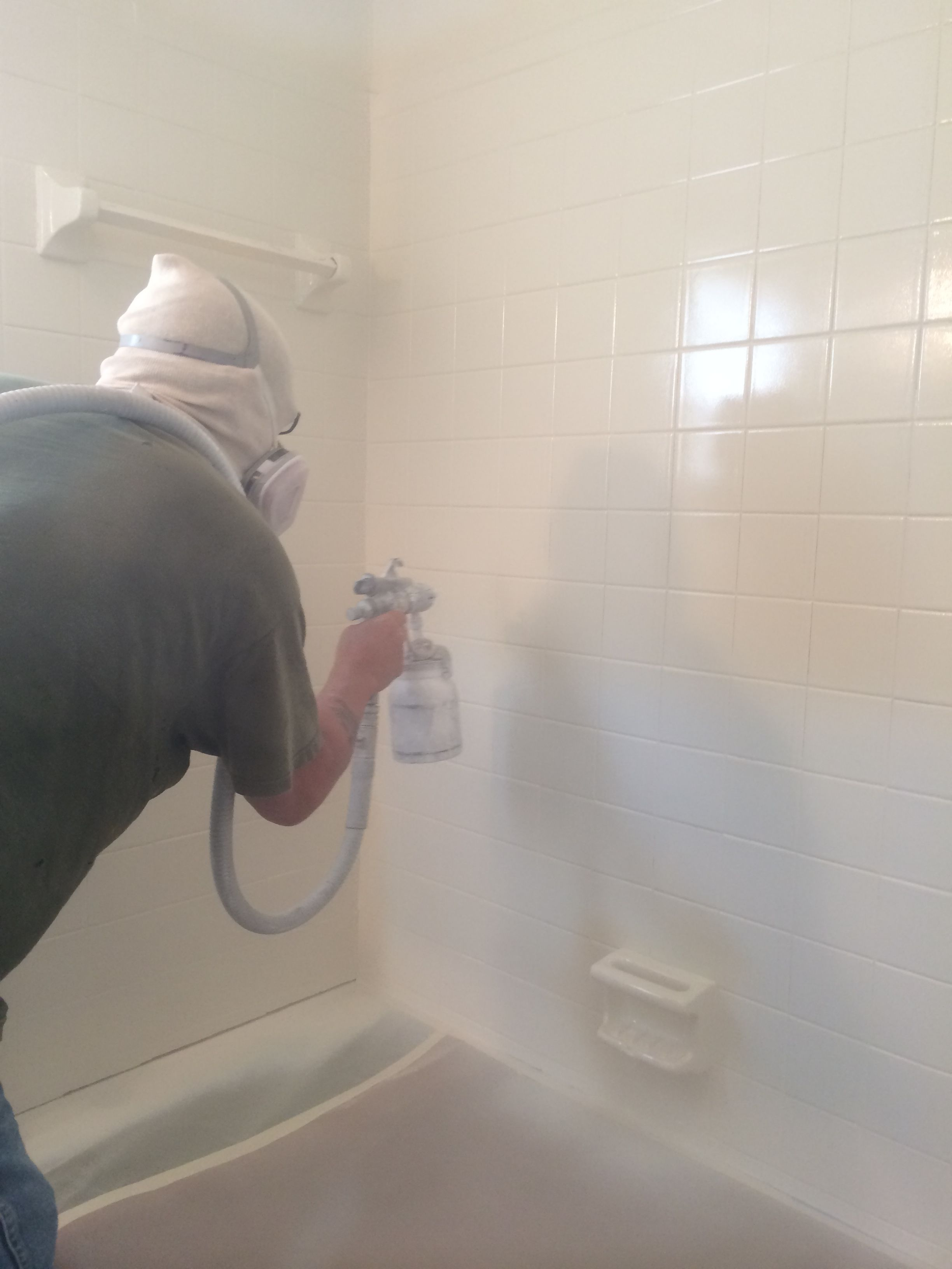 Bathtub and tile reglazing and quality refinishing actually restores ...