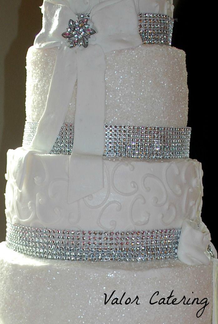 bling wedding cakes bling bling wedding cake teaching good things mariage pinterest. Black Bedroom Furniture Sets. Home Design Ideas