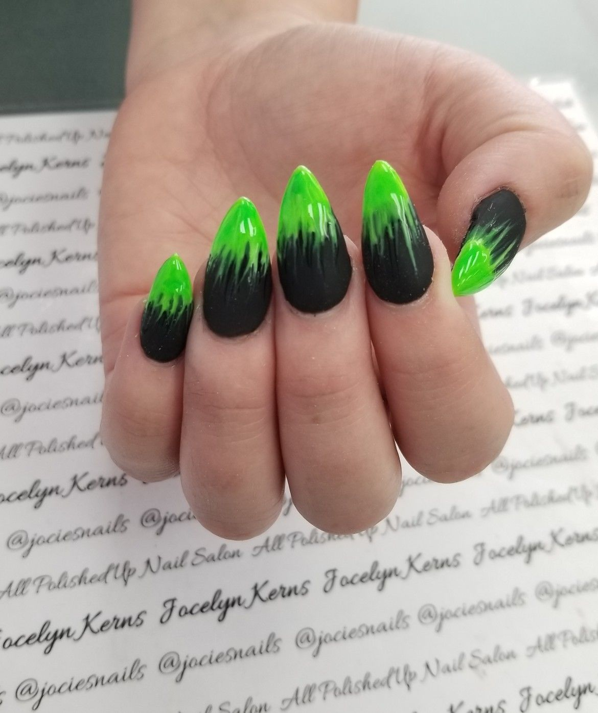 Poison Ivy Nails Poison Dipped Nails Halloween Nails Black And Green Stiletto Nails Halloween Nail Designs Dipped Nails Halloween Nails