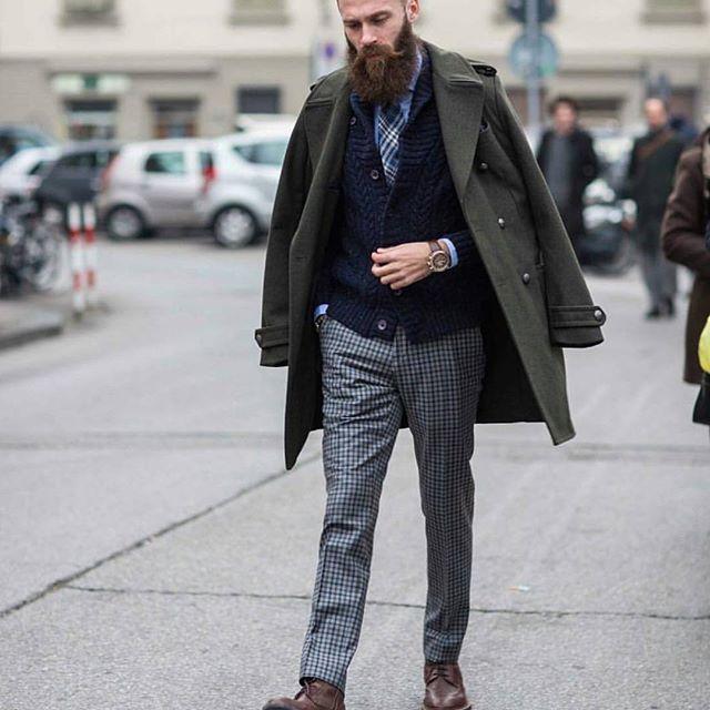 Strolling through the week • • #beardbrand #photography #beards #urbanbeardsman #grooming #lifestyle #menswear #beard #style #mensgrooming #dapper #style #streetstyle #mustache