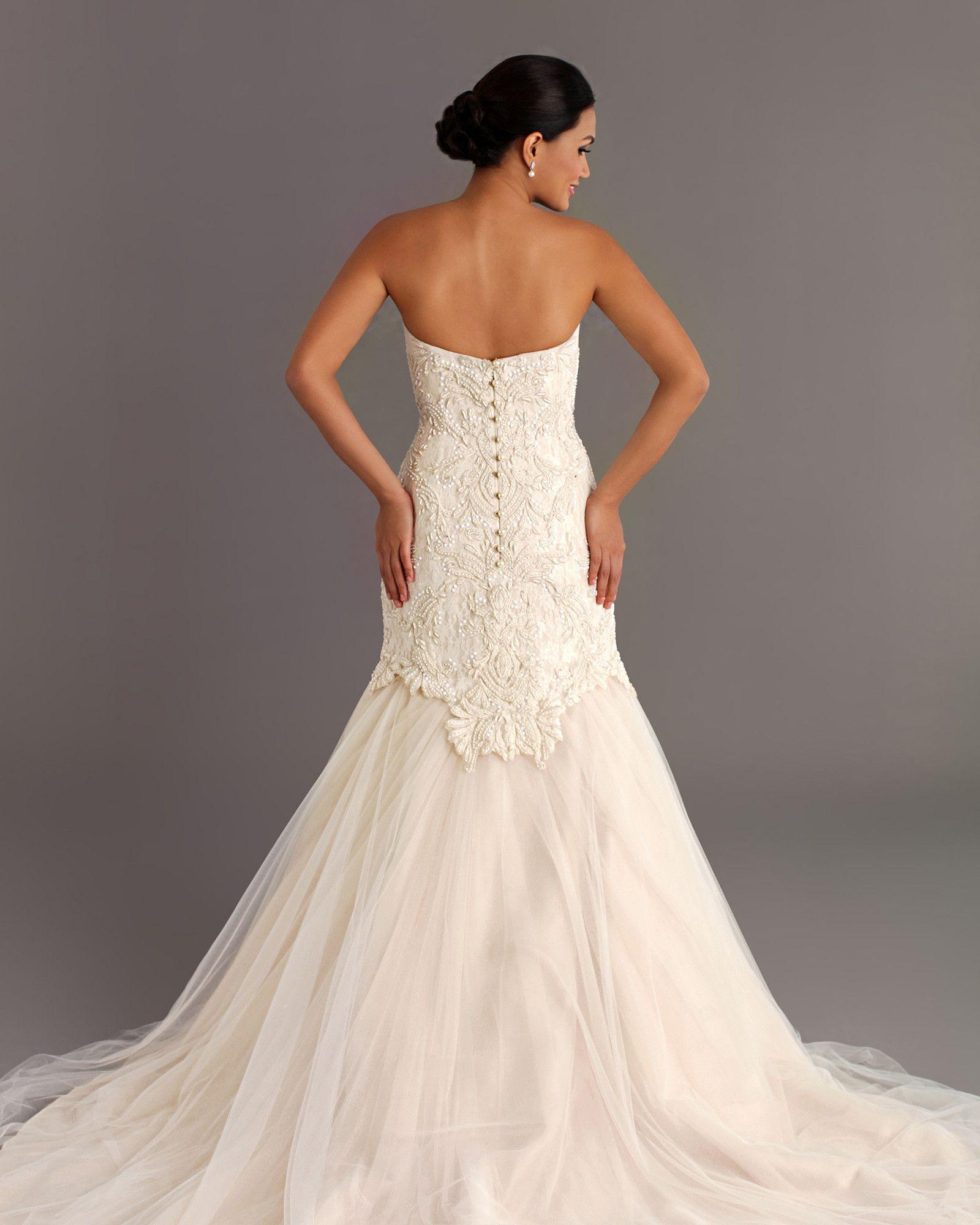 Rustica Wedding dress with veil, Bridal gowns, Wedding gowns