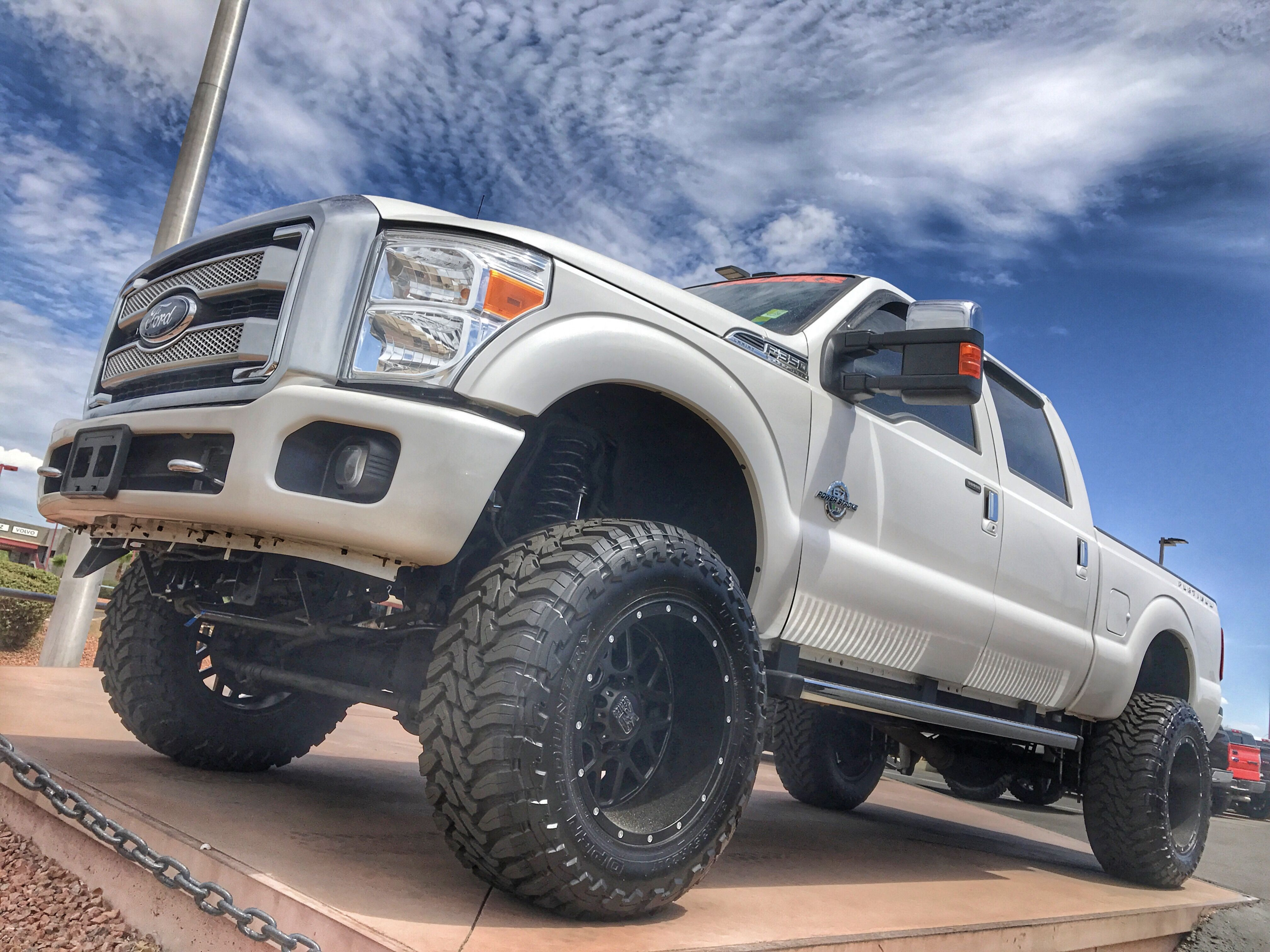 Goin Platinum Lifted Trucks Used Trucks Trucks For Sale