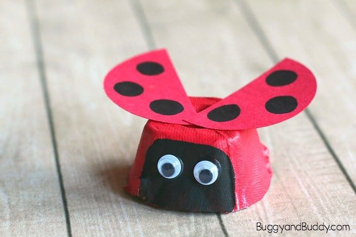 Egg Carton Ladybug Craft for Kids is part of Cute Kids Crafts Egg Cartons - Here is an easy ladybug craft for kids using egg cartons! You'll just need a few common supplies to make these cute little insects  This art project is perfect for preschool and kindergarten  Follow our Crafts for Kids Pinterest board! This post contains affiliate links  MY LATEST VIDEOS Ladybug activities are always fun …