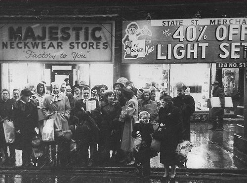 Last minute shoppers on State Street, 1948, Chicago