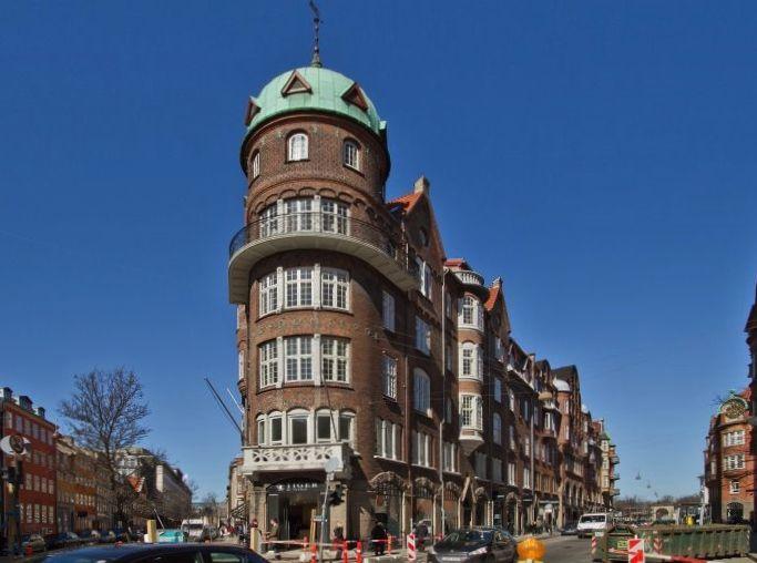 Chr. IX´s Gade 1, Copenhagen   Leaning tower of pisa ...