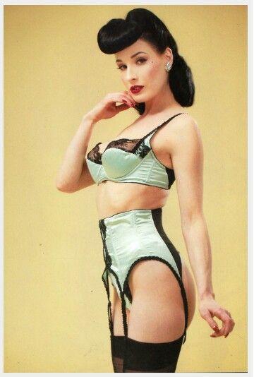 c4a51887dca7e  DitaVonTeese  retro  vintage  pinup  classic  lingerie Rockabilly Pin Up