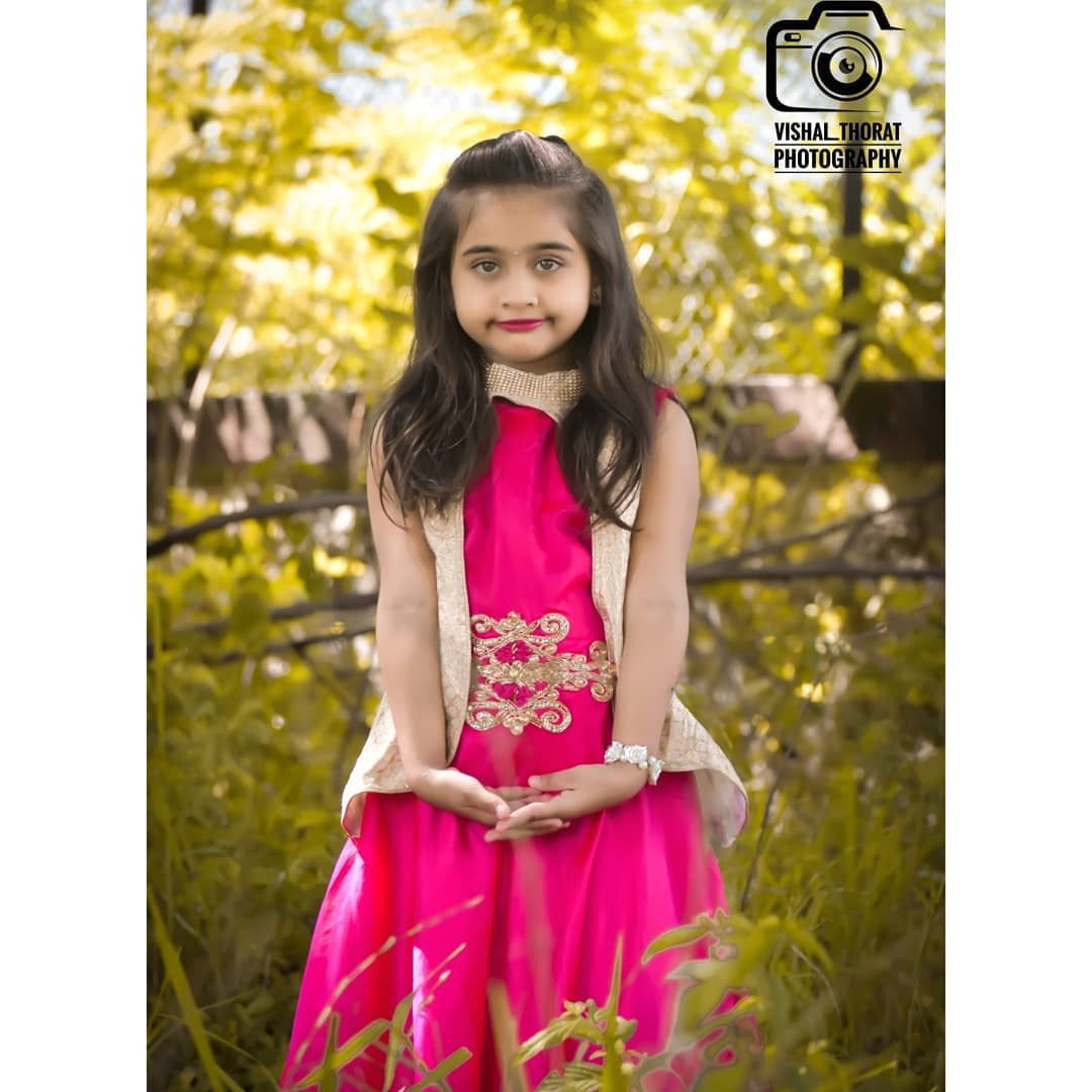 Dm for me #vishal_thorat_photography #vishalthorat😎 #girlshoot #girls #portrait_universe #photooftheday #photographylovers #photographer #photoshoot #mh18 #modeling #model #dhulekar #style