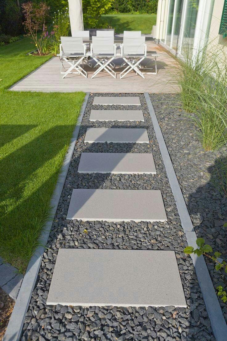 Großer Trittstein, um draußen einen Weg zum Mülleimer zu machen  #einen #mach... - gardendiydecor #steppingstonespathway
