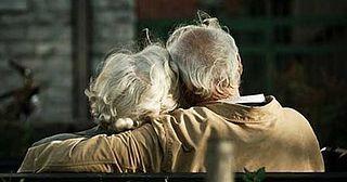 Invecchiare è un privilegio, un'arte, un regalo. I capelli che diventano grigi, gli anni che passano e avere la possibilità di compiere un anno in più dovrebbe essere sempre motivo di allegria,allegr