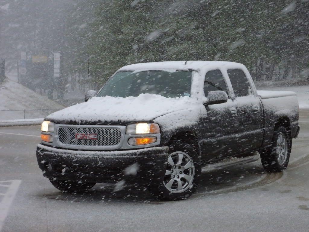 Snowing Sierra Denali Sierra Denali Combustion Chamber Trucks
