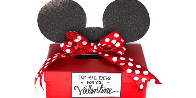 """A simple and classic idea - Mickey and Minnie Mouse Valentine Card Box including a free printable. """"I'm all ears for you""""! Your kids will love it!"""