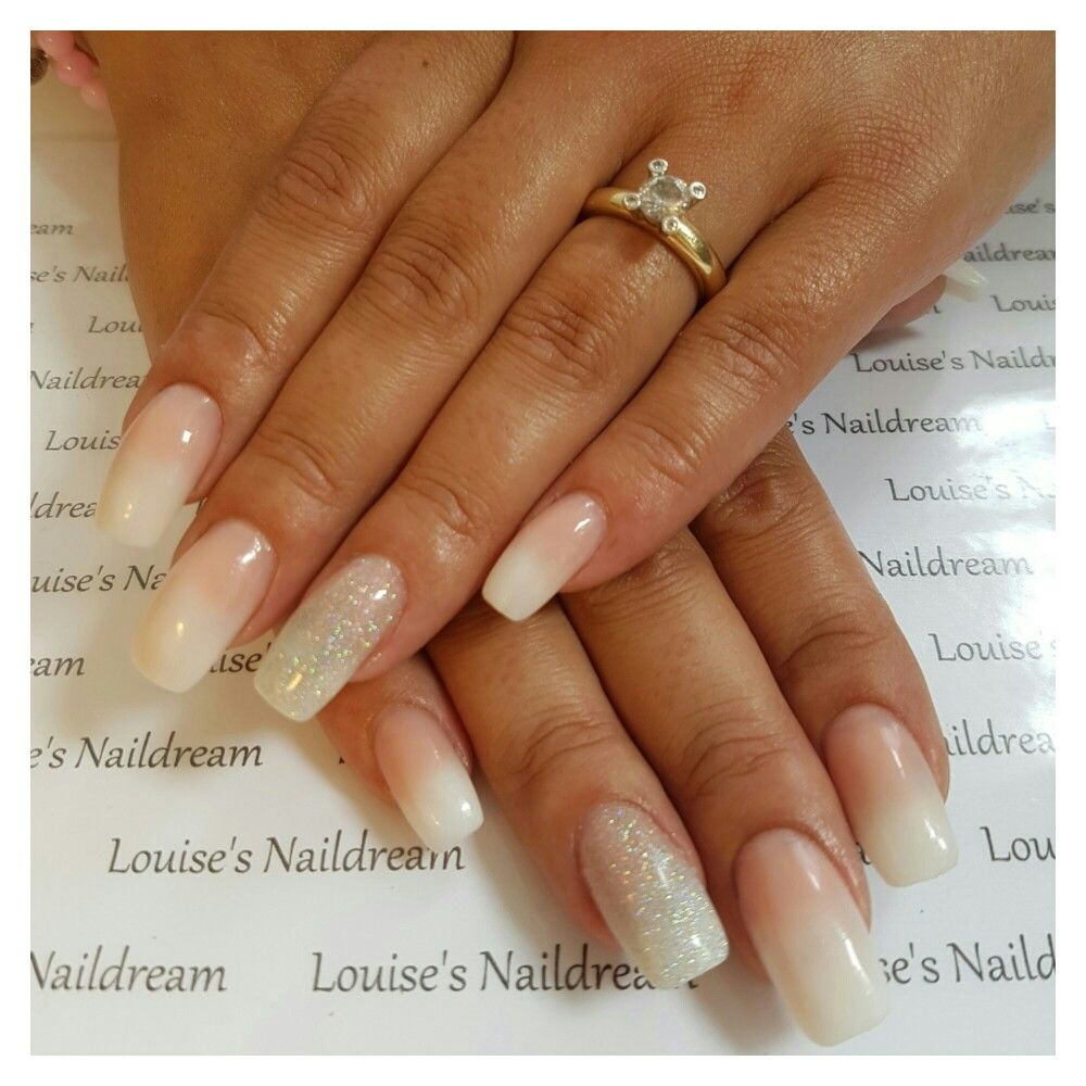 Acrylnagels Babyboom met glitter - Louise\'s Naildream   Pinterest ...