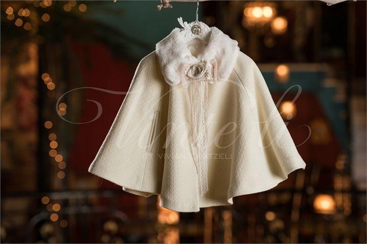 Κάπα βάπτισης με γούνινο γιακά και ντεκόρ της επιλογής σας 09af2a12e88
