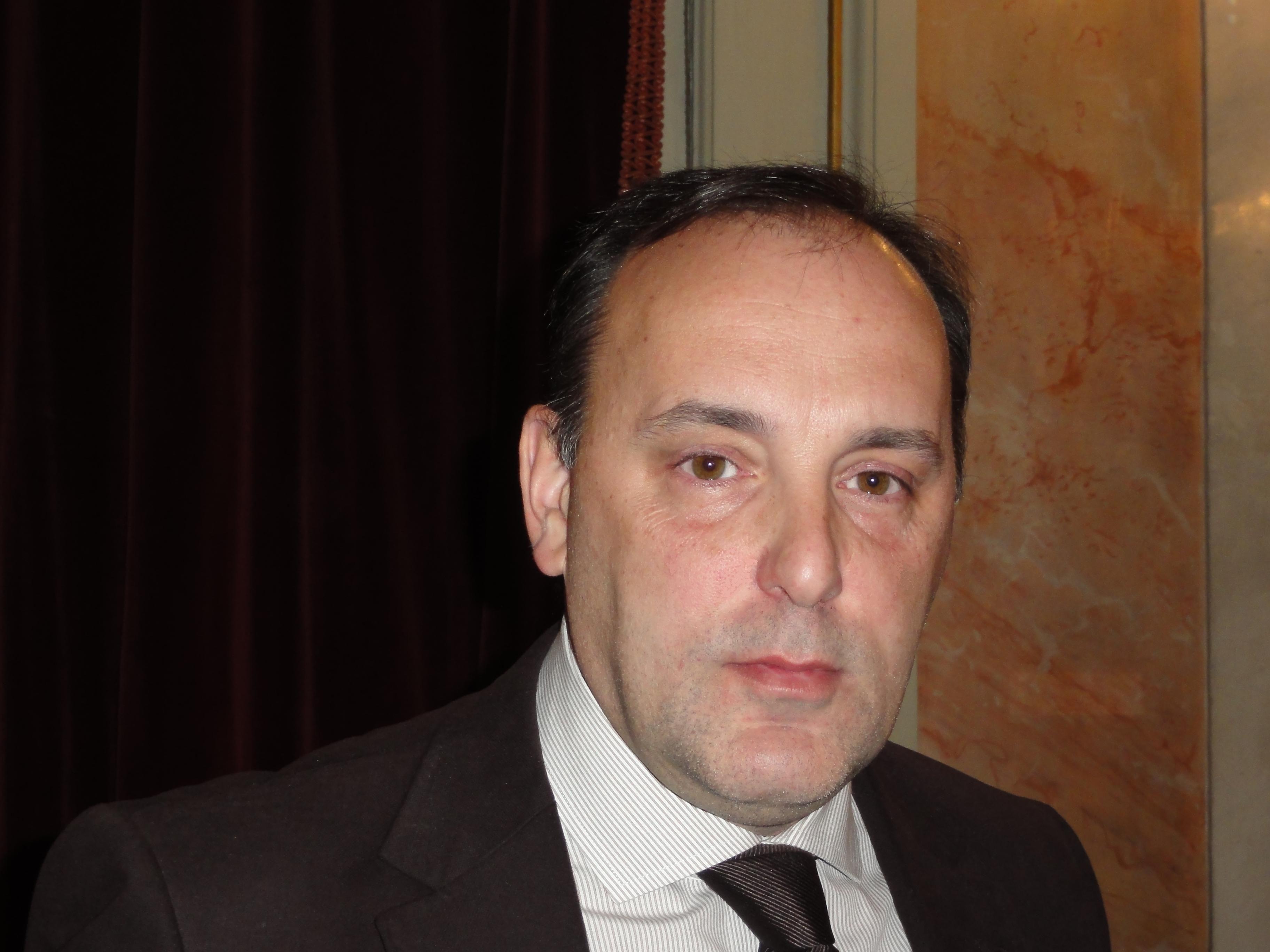 También alerta sobre las deficiencias y la falta de control en la contabilidad de Alcalá Desarrollo El portavoz del Grupo Municipal Unión Progreso y Democracia (UPyD), Anselmo Avendaño, ha desvela...