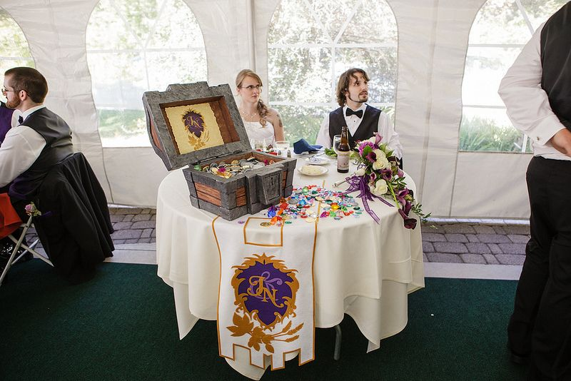 This World Of Warcraft Wedding Is What Geek Dreams Are Made Of World Of Warcraft Video Game Wedding Gamer Wedding