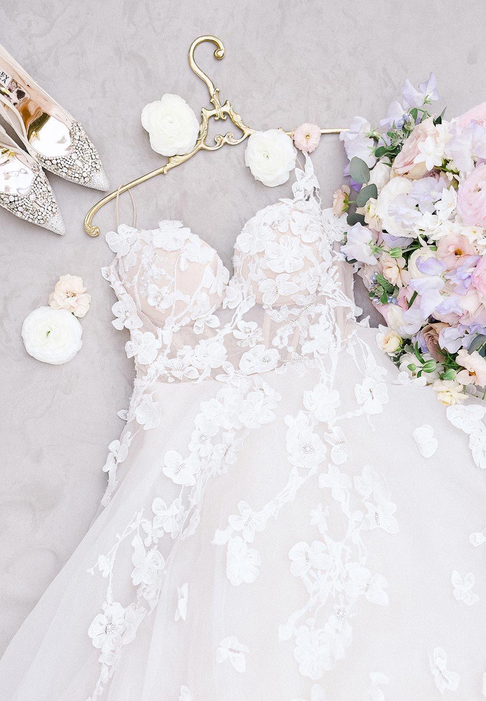 Hot Top 17 Wedding Trends - Aspire Wedding in 17  Kleid hochzeit