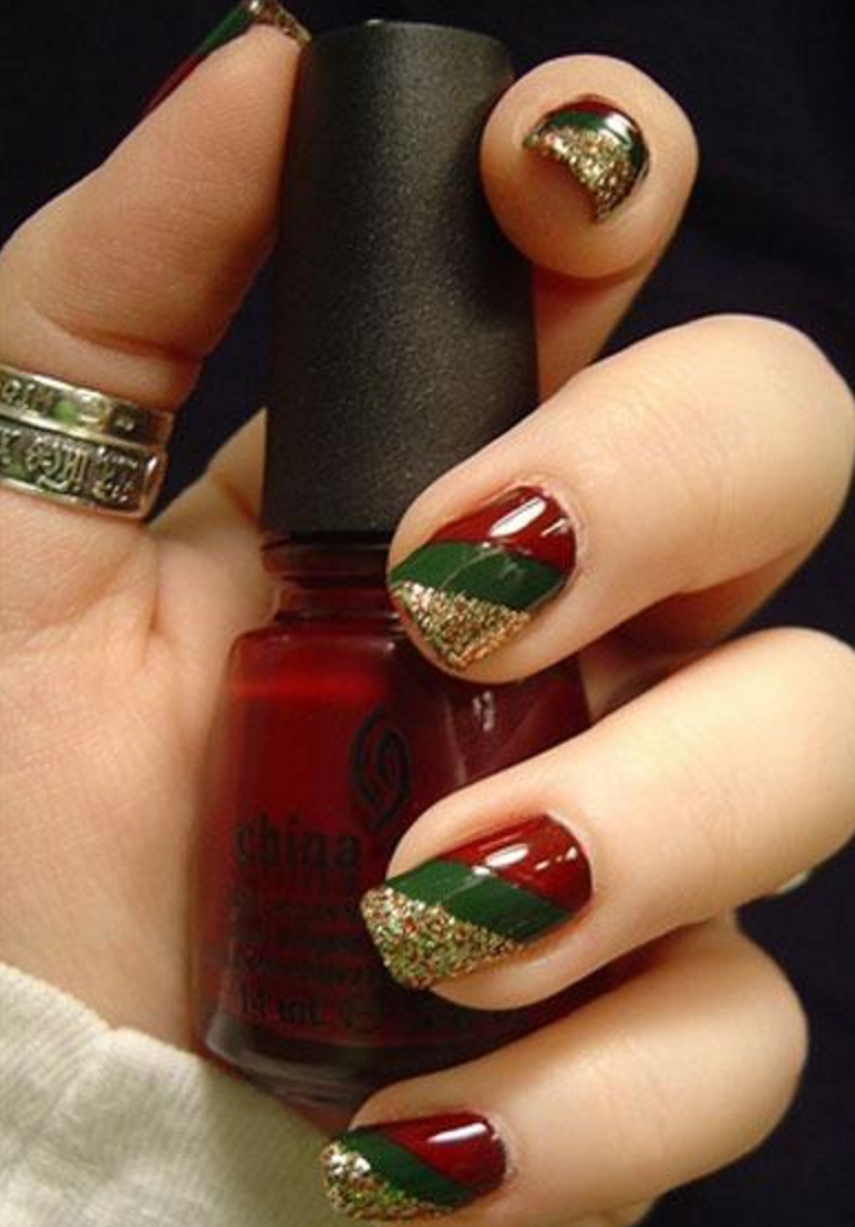 16 Oh-So Merry Winter Nail Art Ideas