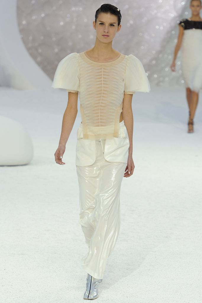 0aee62933e34d3 Chanel Spring 2012 Ready-to-Wear Collection Slideshow on Style.com ...