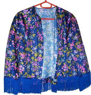 DIY du kimono :  http://lavieestverte.com/index.php/diy-deco-mode/mode/24-diy-kimono-a-frange-ou-kiki-mono-le-frange-pour-les-intimes