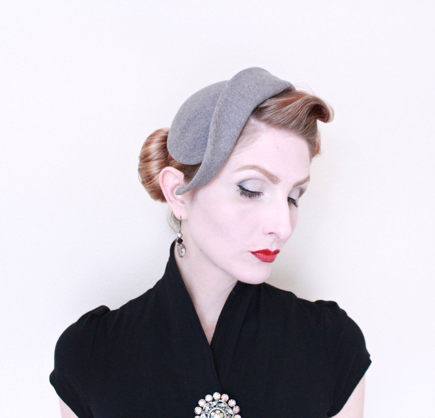 759de54d1 1950s Hat /VINTAGE/ 50s Hat / Grey / Felted Wool / Gray / Sculpted ...