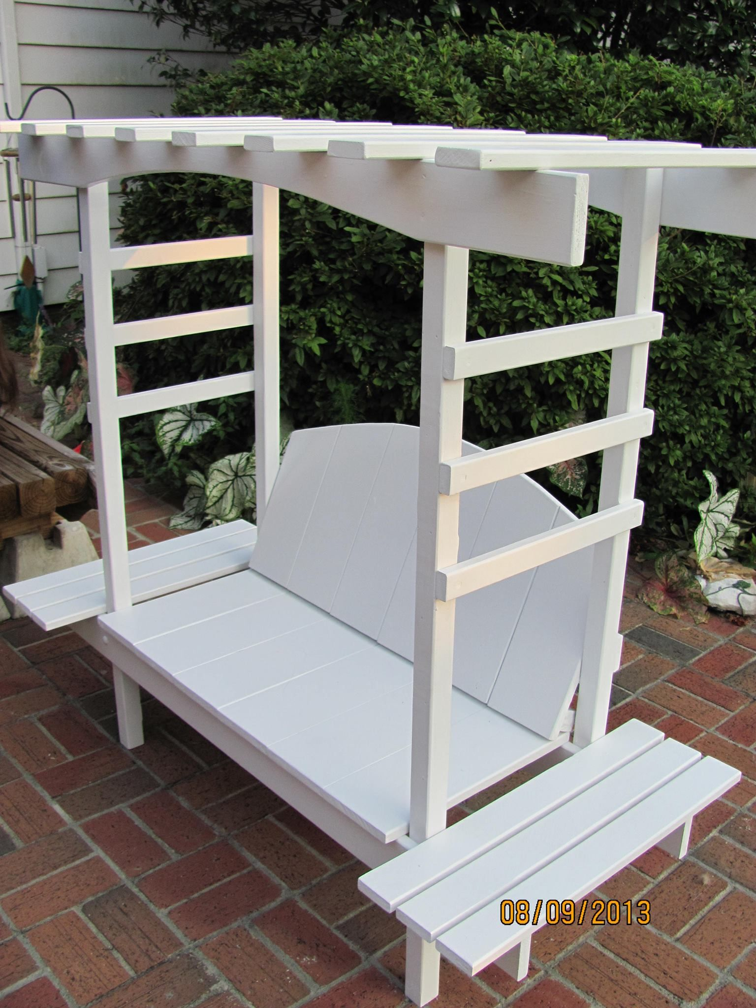 Childs bench with arbor do it yourself home projects from ana childs bench with arbor do it yourself home projects from ana white solutioingenieria Image collections