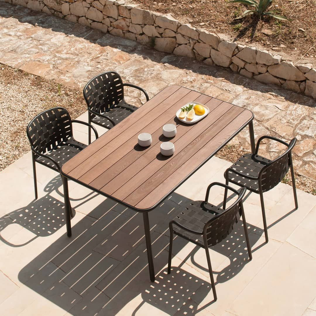 Etat De Siege Paris On Instagram Collection Yard Par Emu Group Les Sangles Elastiques Croisees Associ Outdoor Patio Furniture Patio Seating Patio Chairs