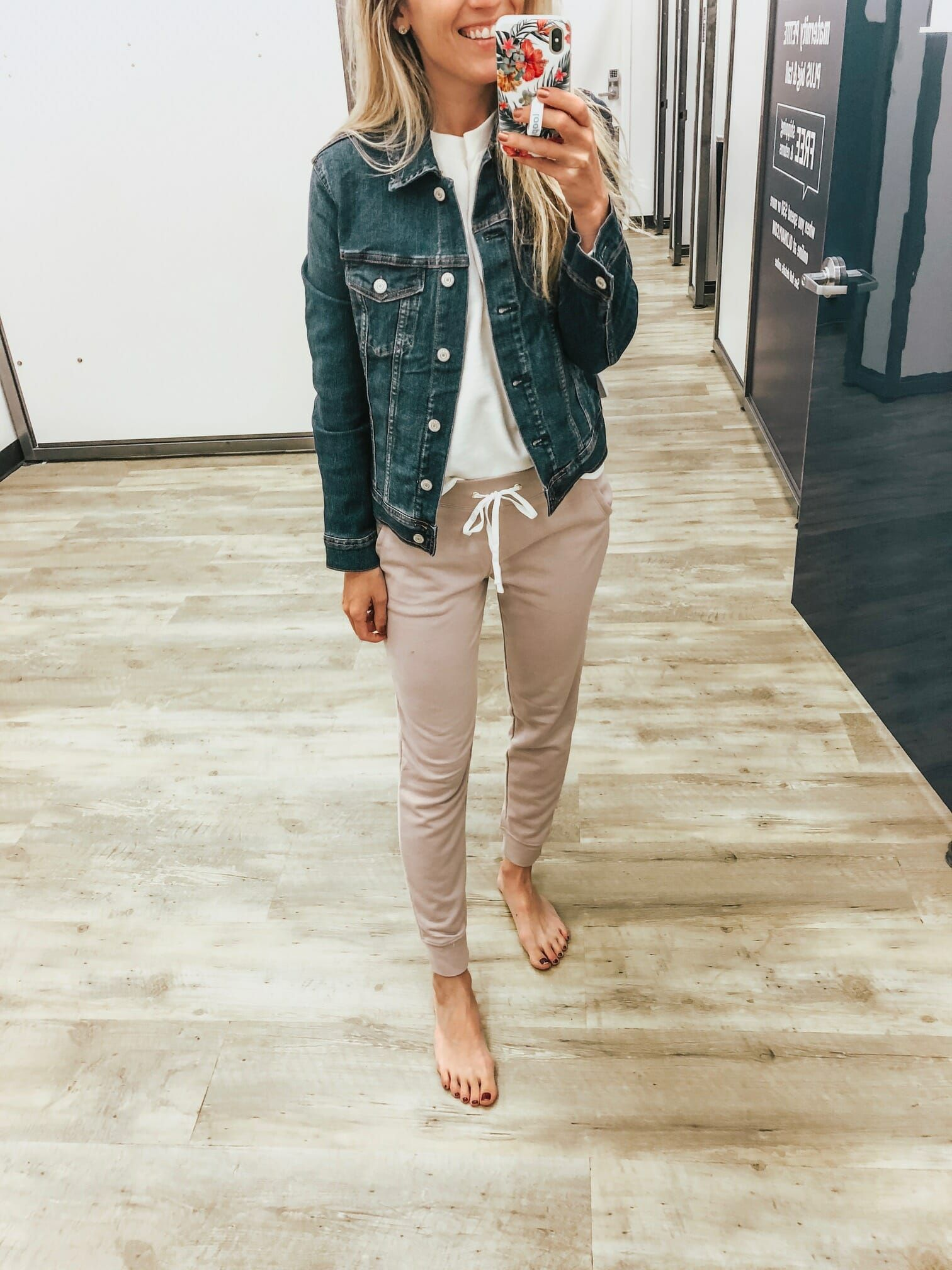 25+ Old navy mom jeans ideas info