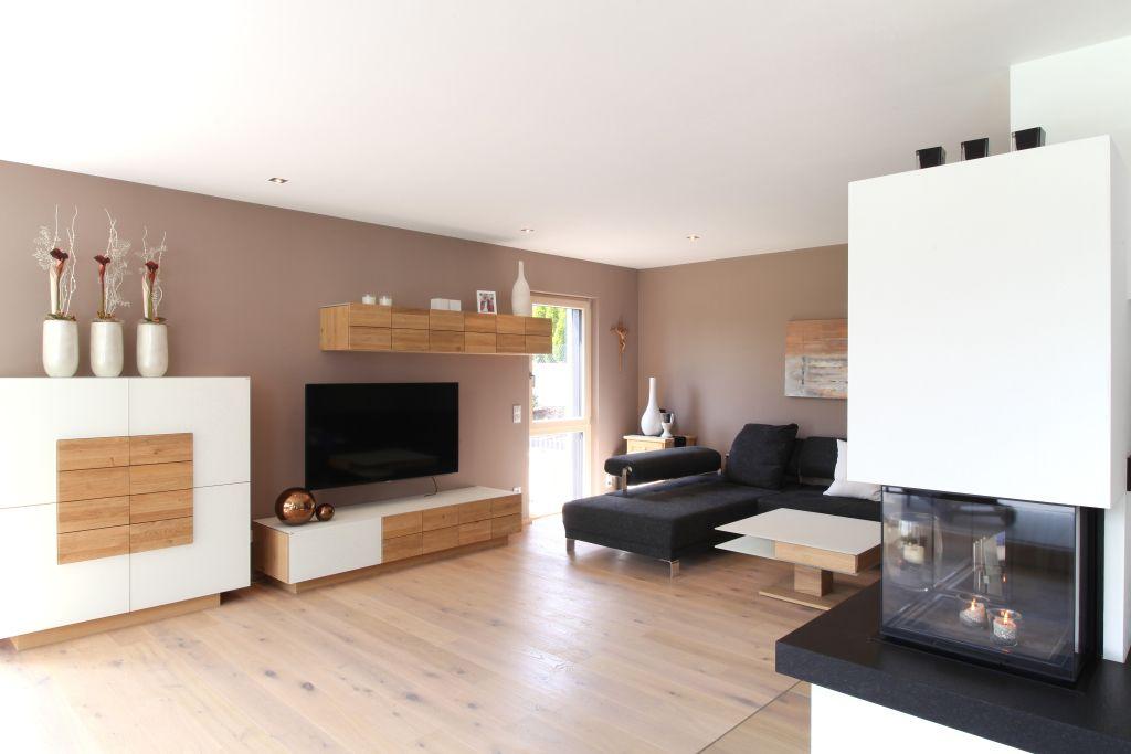 Musterhaus inneneinrichtung wohnzimmer  Wohnzimmer mit Holzboden und modernen Möbeln | Böden | Pinterest ...