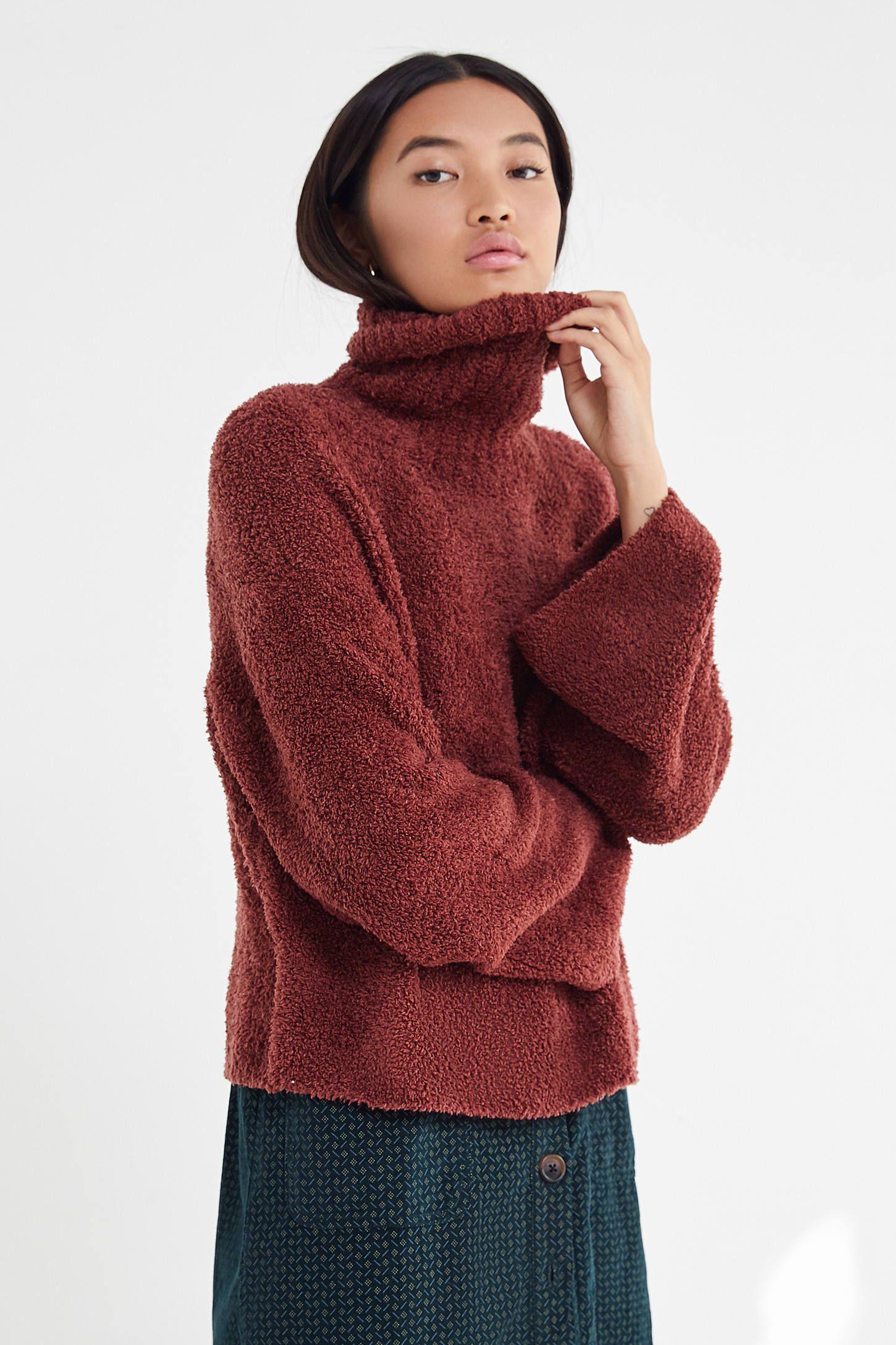 proaspăt confortabil cel mai bun online 100% calitate superioară UO Cloud Turtleneck Pullover Sweater | Turtle neck, Sweaters ...