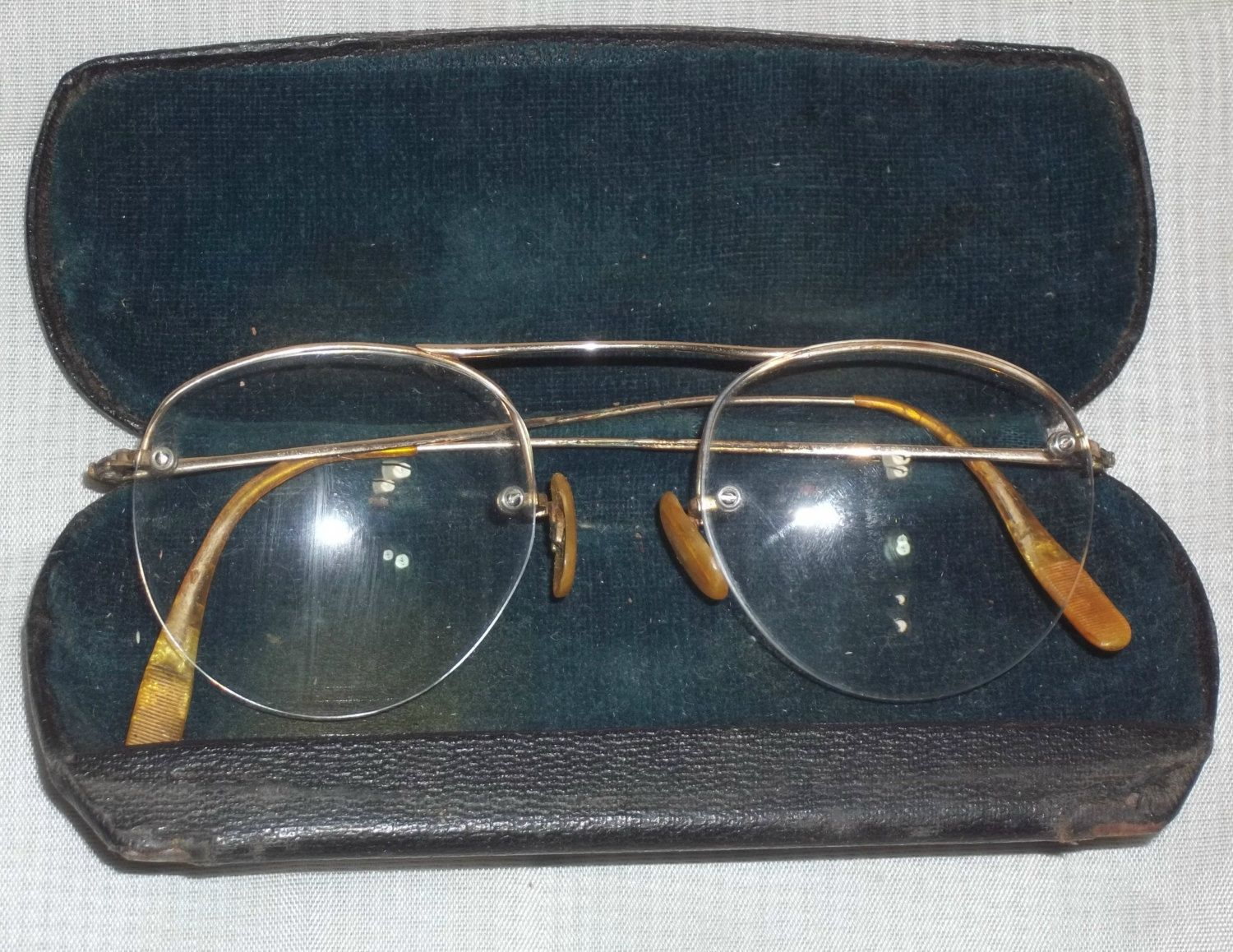 3e2b15b8258 Vintage Shuron Aviator Ful-Vue Eyeglasses 1 10 12k Gold Filled Frames  Spectacles Eye Glasses by ShonnasVintage on Etsy