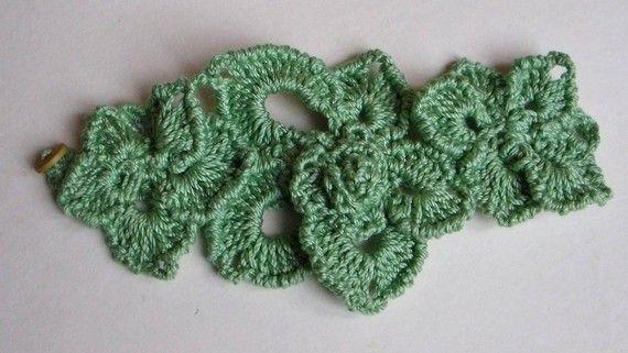 Libre Formulario crochet fantasía flor pulsera en caliente por FiBreRomance