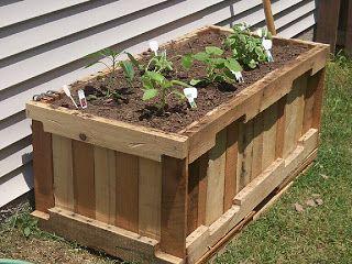 Construire une jardini re avec des palettes avec des palettes pinterest meuble jardin - Construire des meubles avec des palettes ...