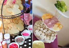 Resultado de imagem para mesa de sanduiches para festa infantil