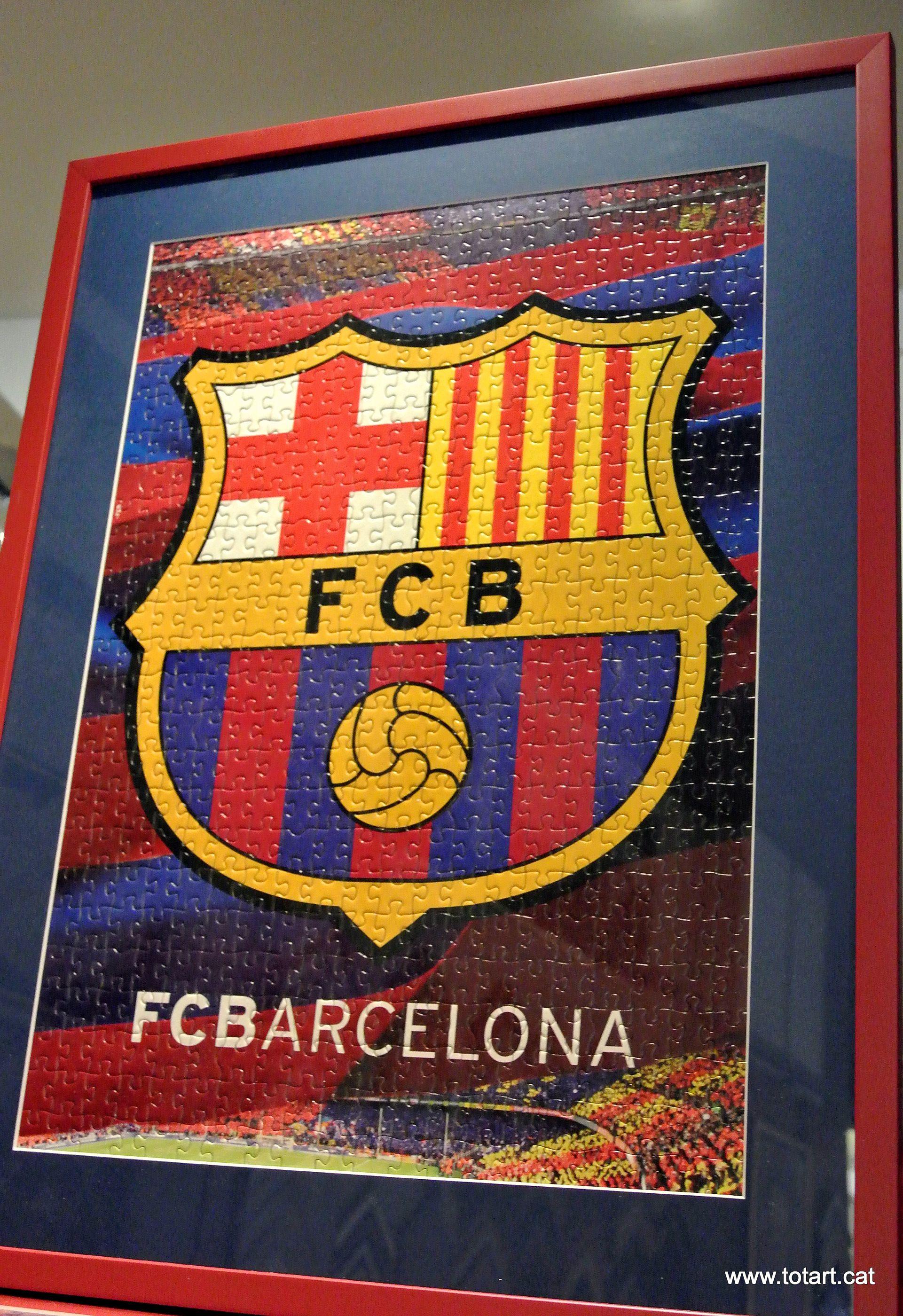 Marcos para Puzzles del FCB en un marcode madera en tienda de marcos ...