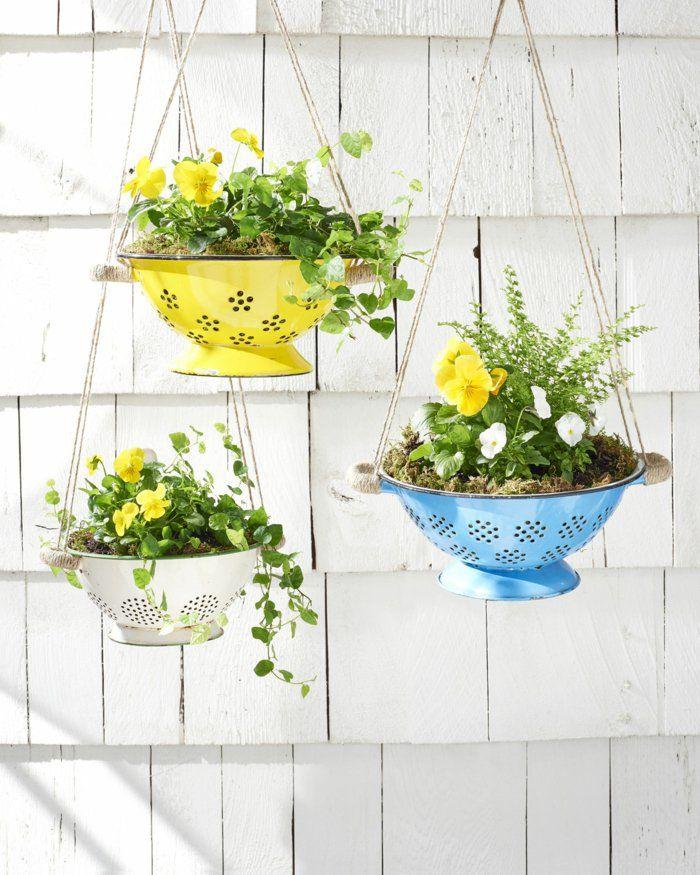 deko ideen selbermachen altes geschirr pflanzenbehälter aufhängen - deko gartenparty selber machen