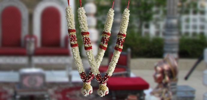 bridal garlands indian google search garland pinterest garlands flowers decoration and. Black Bedroom Furniture Sets. Home Design Ideas