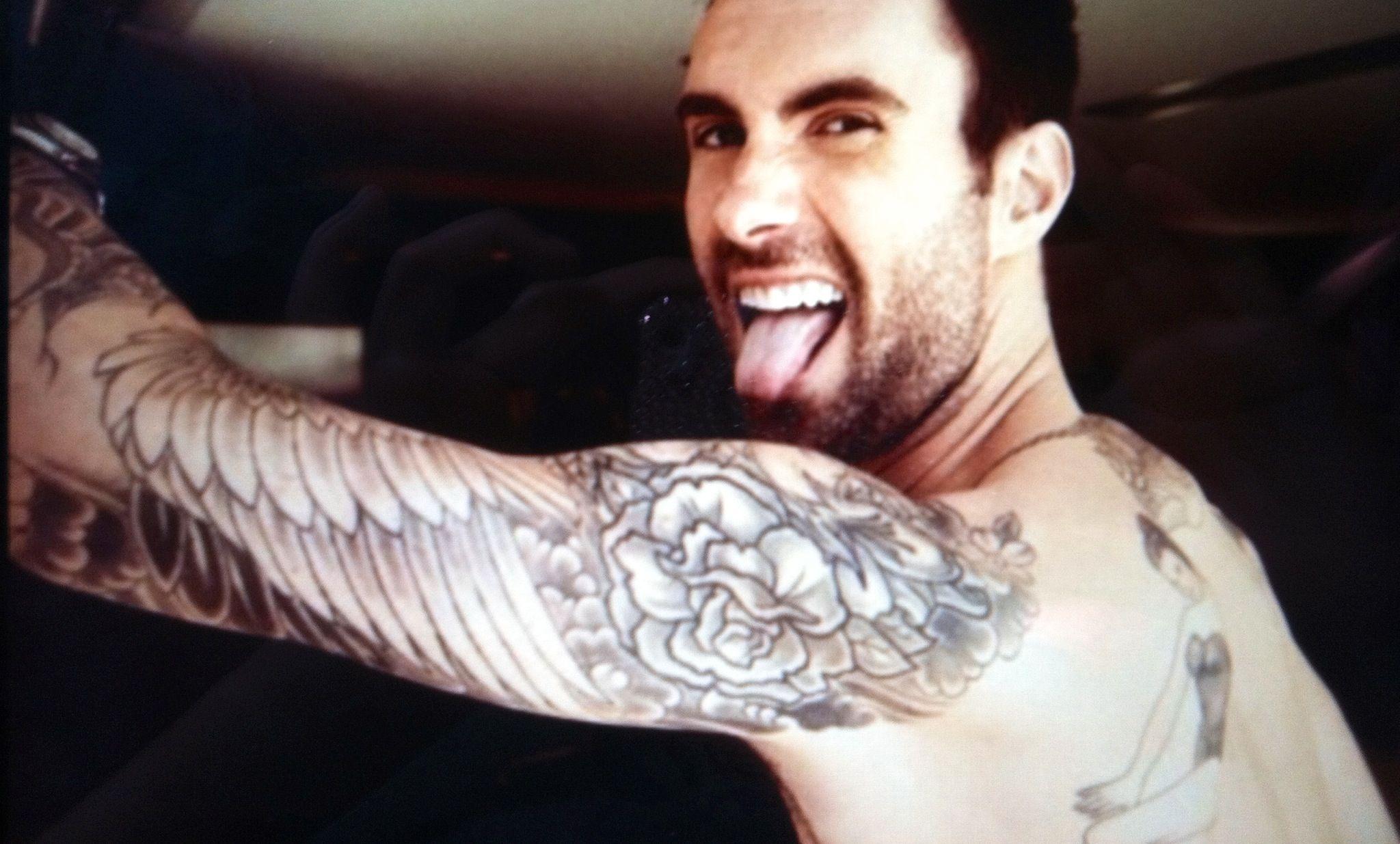 adam levine tattoos - 1058×673