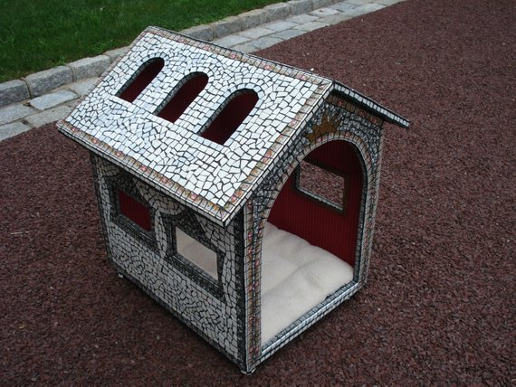 Mosaic Pet Palace With Images Dog Houses Cool Dog Houses