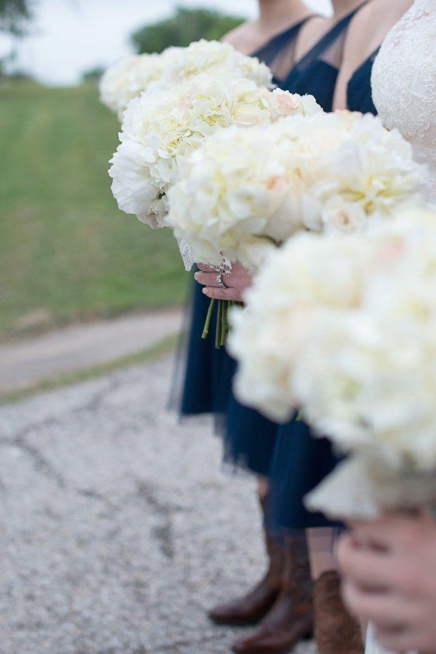 Wedding bouquet. Wedding photography. Hydrangea bouquet. Bridesmaid bouquet.