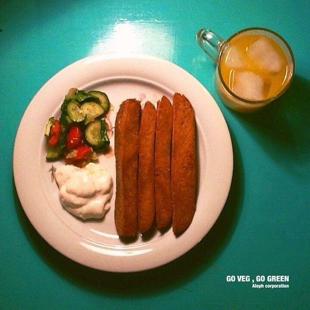 """""""#yum #vegan #vegetarian #vegetarier #vegetarisch #Essen #go #veg #go #green #save #the #planet #orangejuice #Orangensaft #grün #Wurst"""""""