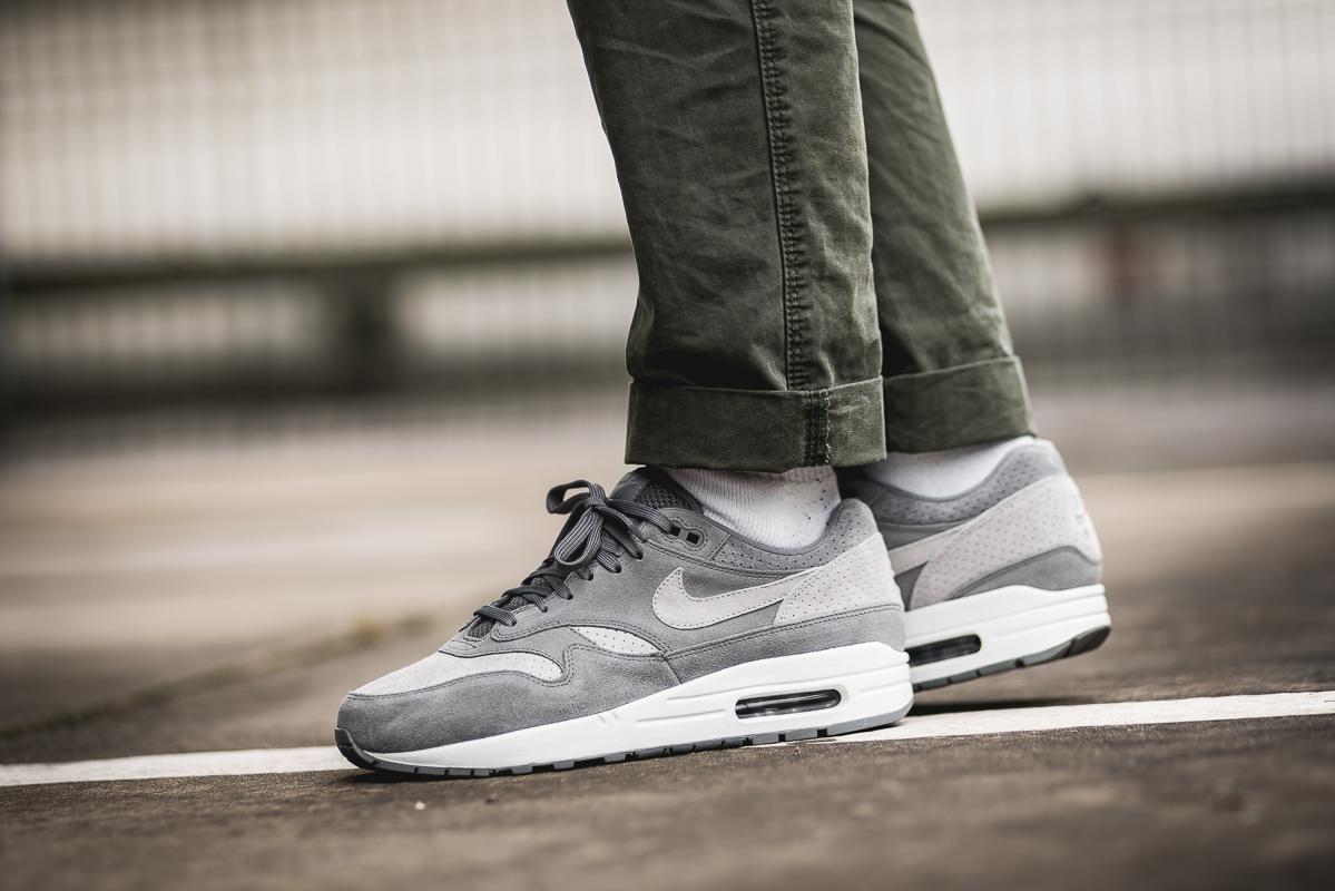 4d2d8d3ff6e7 Nike Air Max 1 Premium in Cool Grey | Street Sneakers | Nike, Nike ...