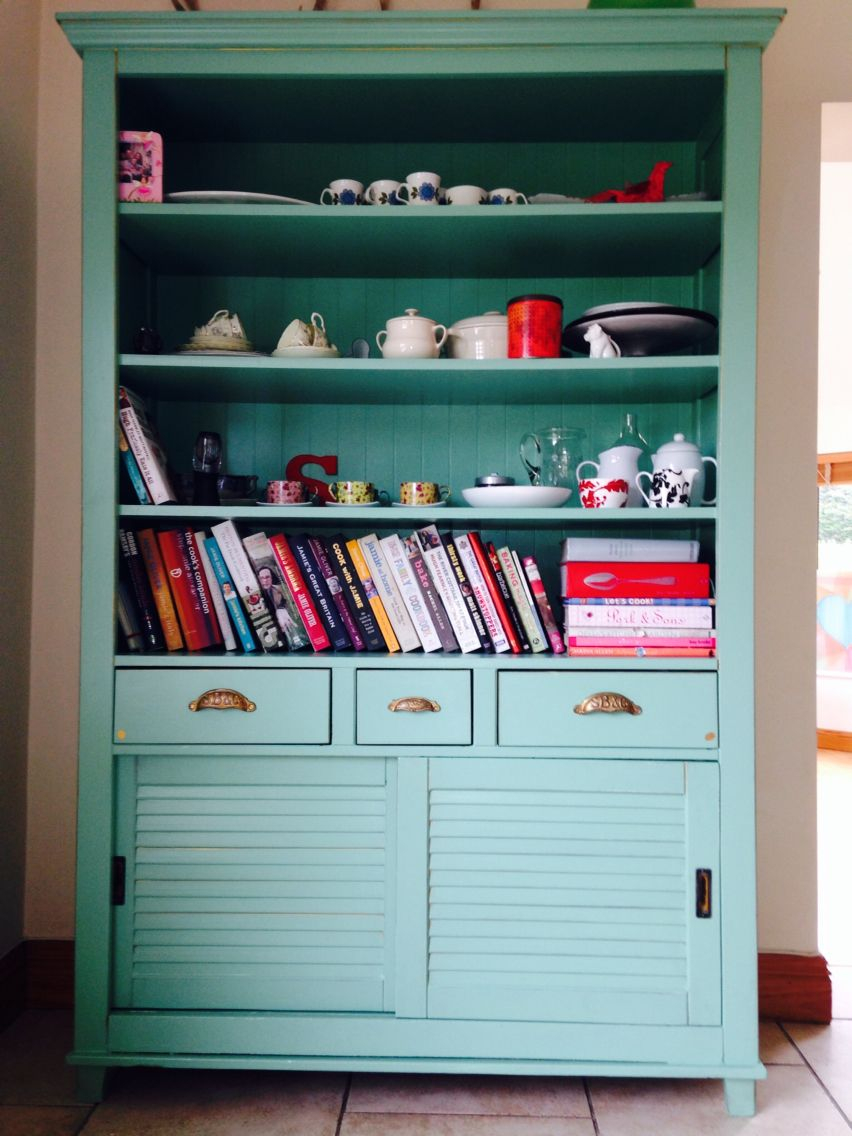 Best Handpainted Dresser With Guilded Edges Painted In Farrow 400 x 300