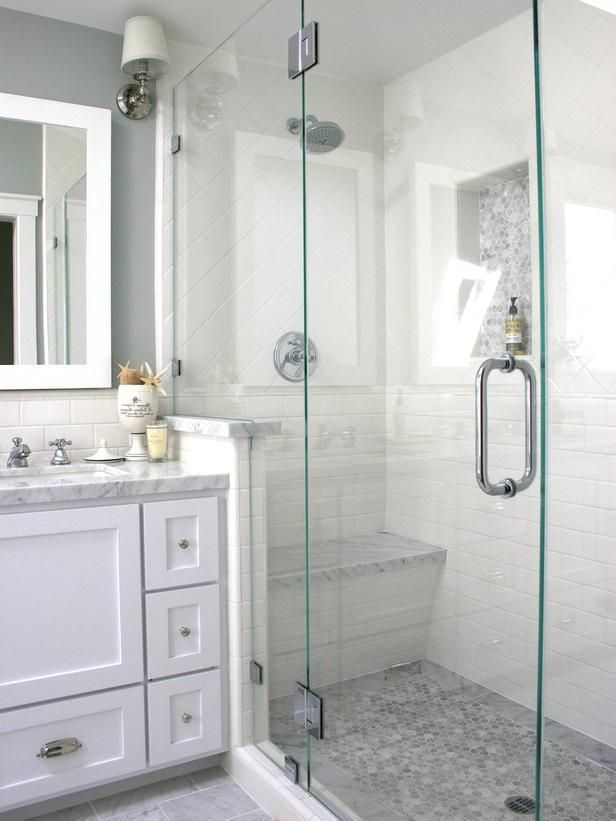 Before And After 30 Incredible Small Bathroom Makeovers Small Bathroom Makeover Small Bathroom Small Bathroom Styles