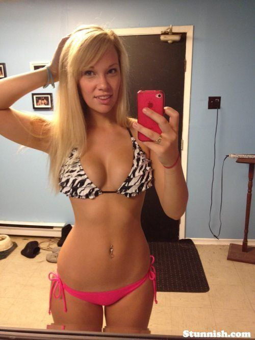 Cell Phones Can Create The Sexiest Pictures Bikinis