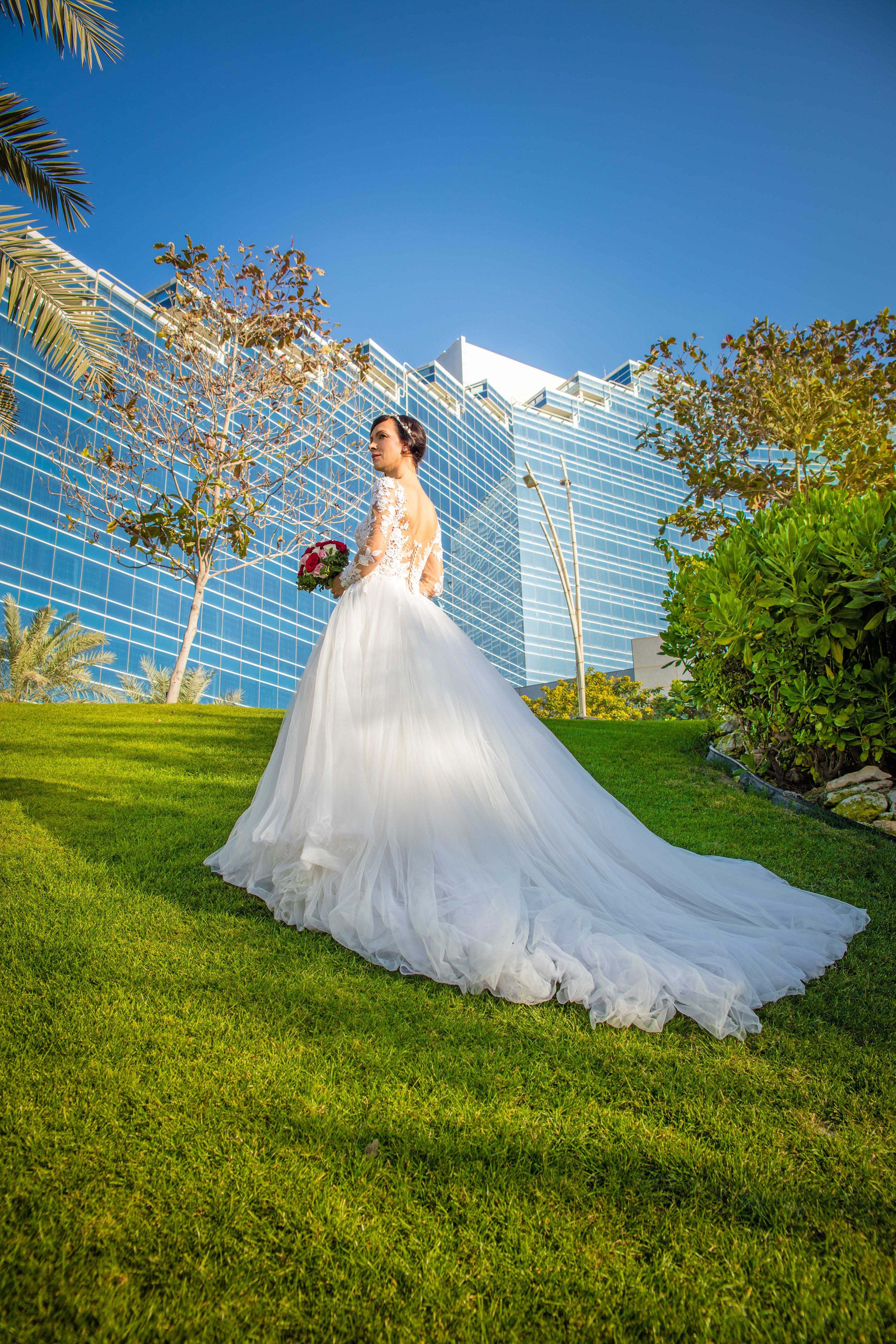 Wedding Nina Mommsen Photographer Bahrain Manama Professional Bride Dress Photographer Bride Wedding
