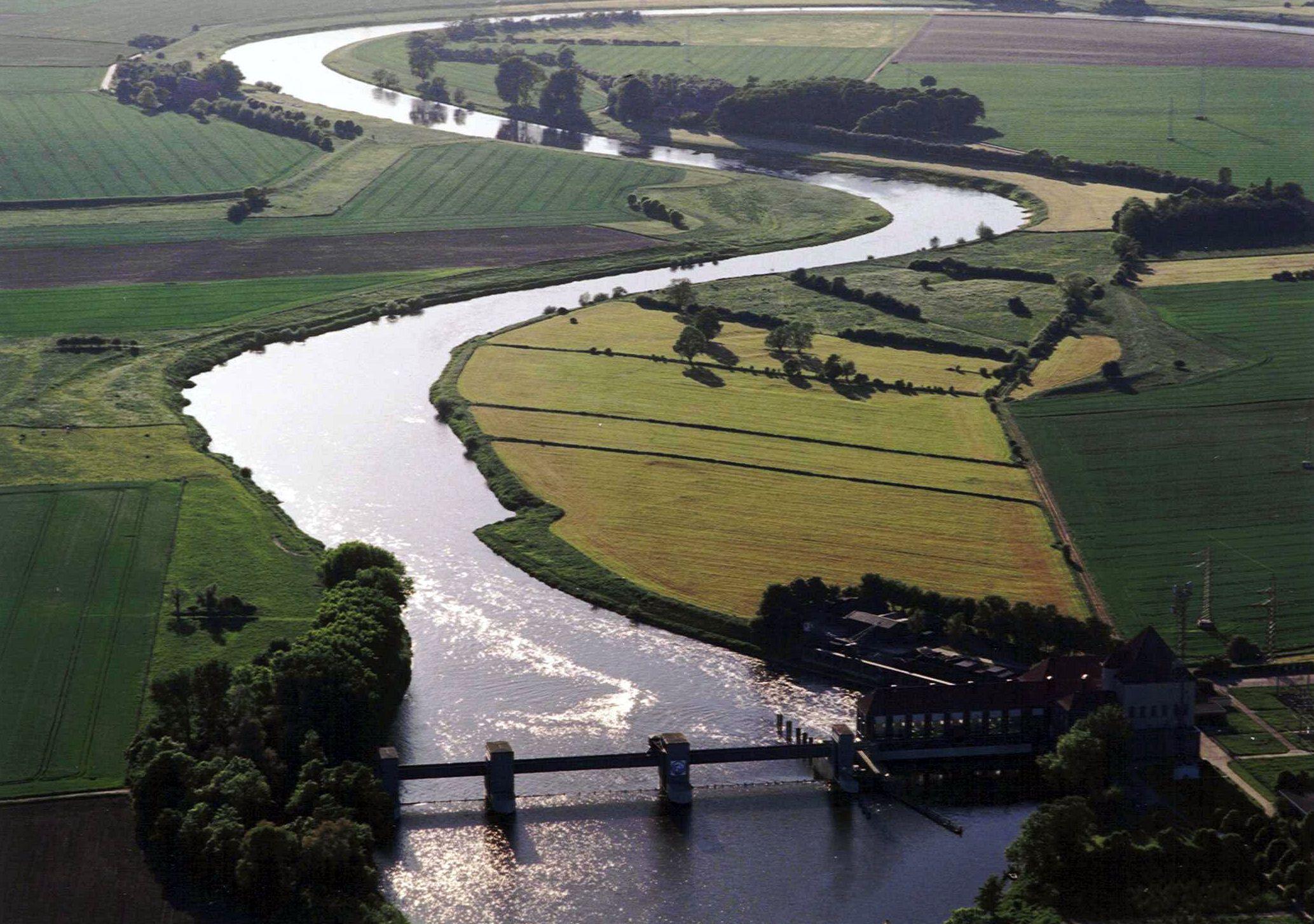 Luftbild Weser-Kraftwerk in Dörverden