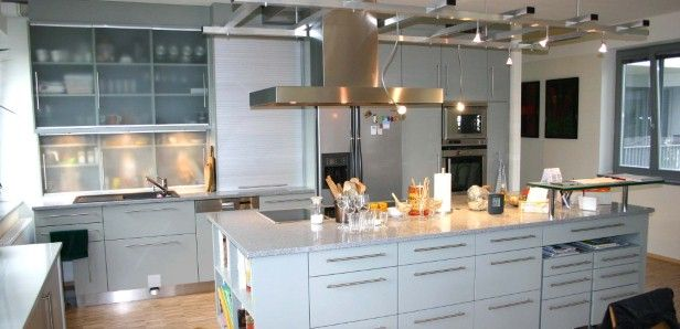 Einbauküchen mit kochinsel  Einbauküche mit Kochinsel und Stehbar | Küche | Pinterest ...